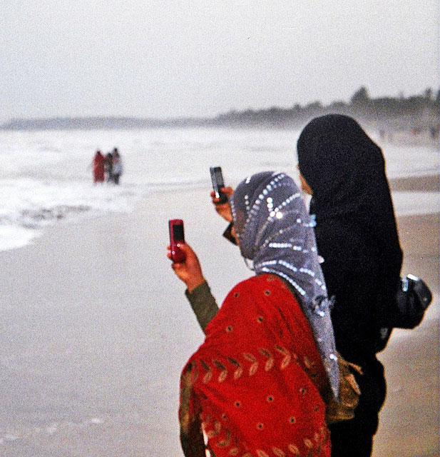 Payyambalam Beach; Kannur; Kerala; India; sand; sea; sky; outdoor; uasatish; girls; mobile phones;