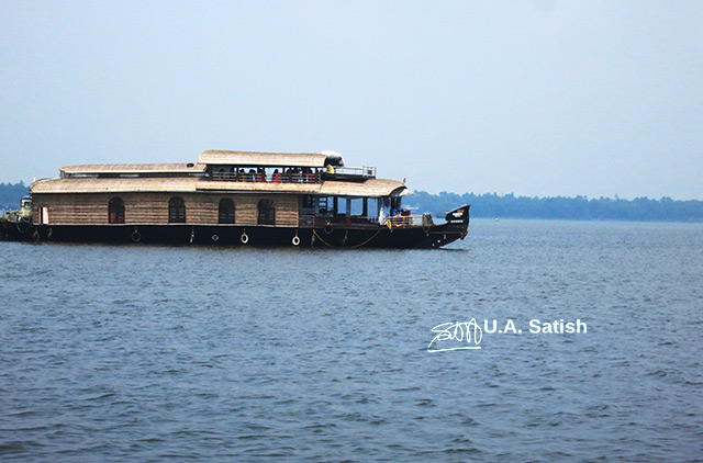 Houseboat; Alapuzha; Kerala; India; lake; water; sky; outdoor; uasatish;