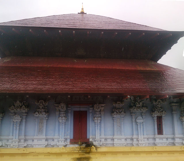 temple; India; architecture; uasatish; Thiruvangad Temple; Thalassery; Kerala;