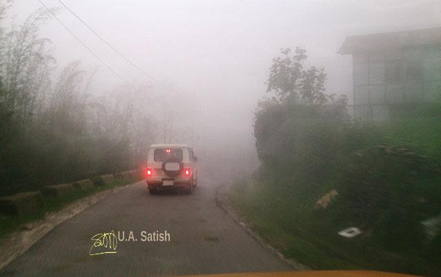 road; fog; Sikkim; India; uasatish; vehicle;
