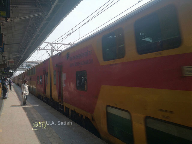 Double Decker Train; Andheri Station; Mumbai; India; uasatish;