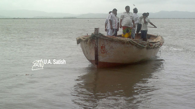 Vasai; Koli; fisjermen; India; Mumbai; boat; sea; uasatish;