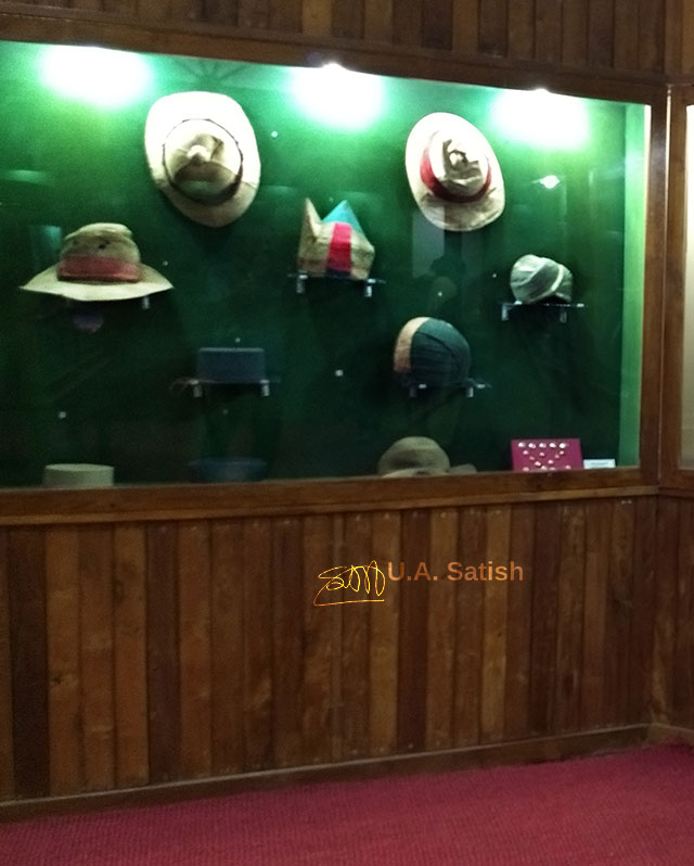 Pazhassi Raja Museum; Kozhikode; India; Kerala; museum; uasatish; headgear;