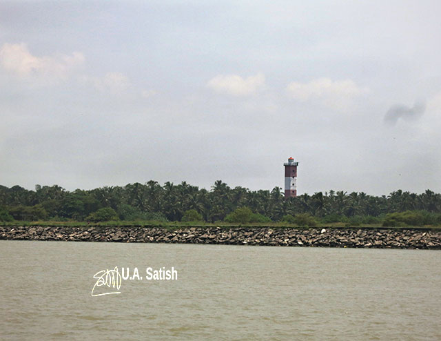 Beypore; Kerala; India; uasatish; lighthouse; sky; sea;