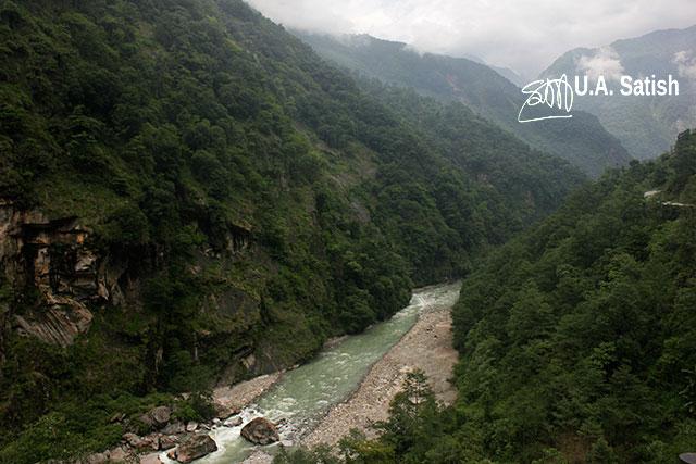 Sikkim; North Sikkim; India; uasatish; River Teesta; mountains; rocks; clouds; water; river;