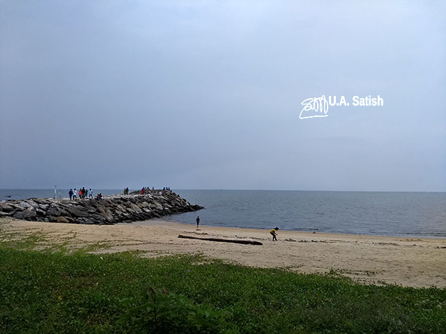 Calicut; uasatish; Kappada Beach; India; Kozhikode; sea; sky; sand; grass;