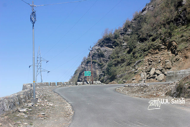 Sikkim; road; street; steep climb; uasatish;