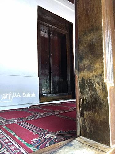 Odathil Palli; mosque; palli; Thalassery; Tellicherry; Kerala; uasatish; wooden door;