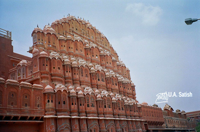 hawa Mahal; Jaipur; architecture; India; street; uasatish;