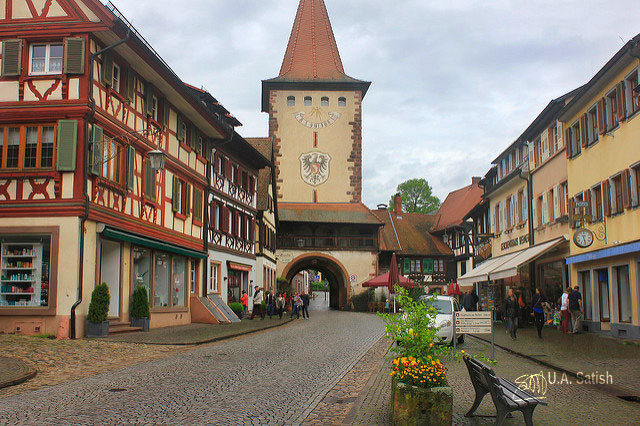 Gengenbach; Germany; half-timbered houses; architecture; town square; uasatish;