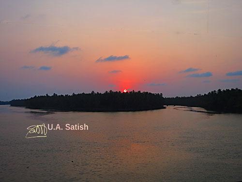 Kariyankode River; outdoor; nature; sunset; sky; island; Malabar; Kerala; India; uasatish; https://uasatish.com;
