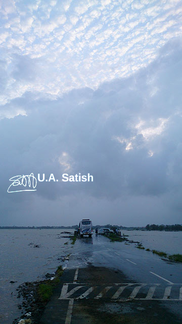 India, Mumbai, Vasai, flood waters; uasatish, https://uasatish.com,