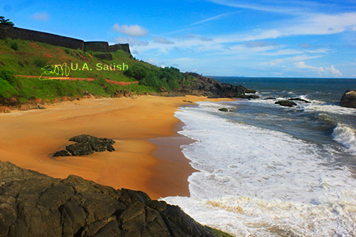 Bekal Fort; Kasargod; Kerala; India; beach; fort; sea; sand; rocks; sky; clouds; uasatish; https://uasatish.com;