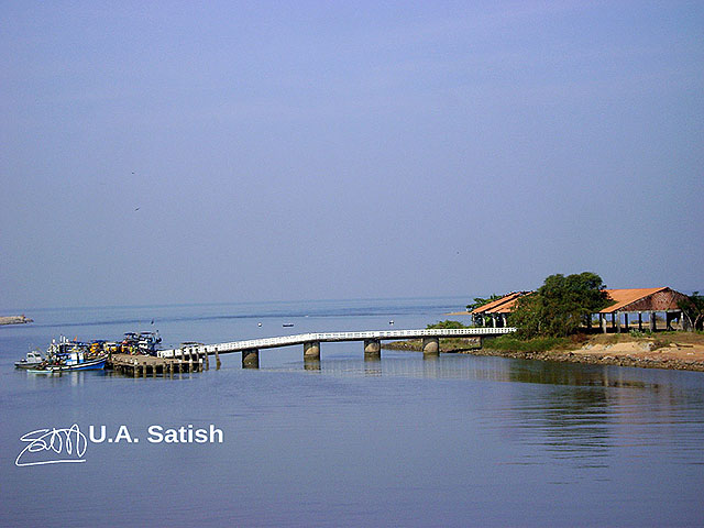 fishing jetty; Kasaragod; Kerala; India; water; sky; boat; outdoor; uasatish; https://uasatish.com;