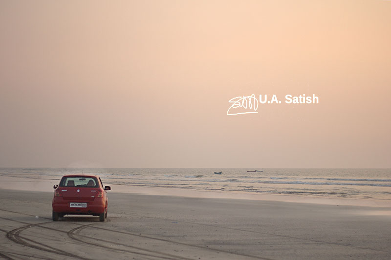 Kalamb Beach; India; Mumbai; outdoor; uasatish; car;