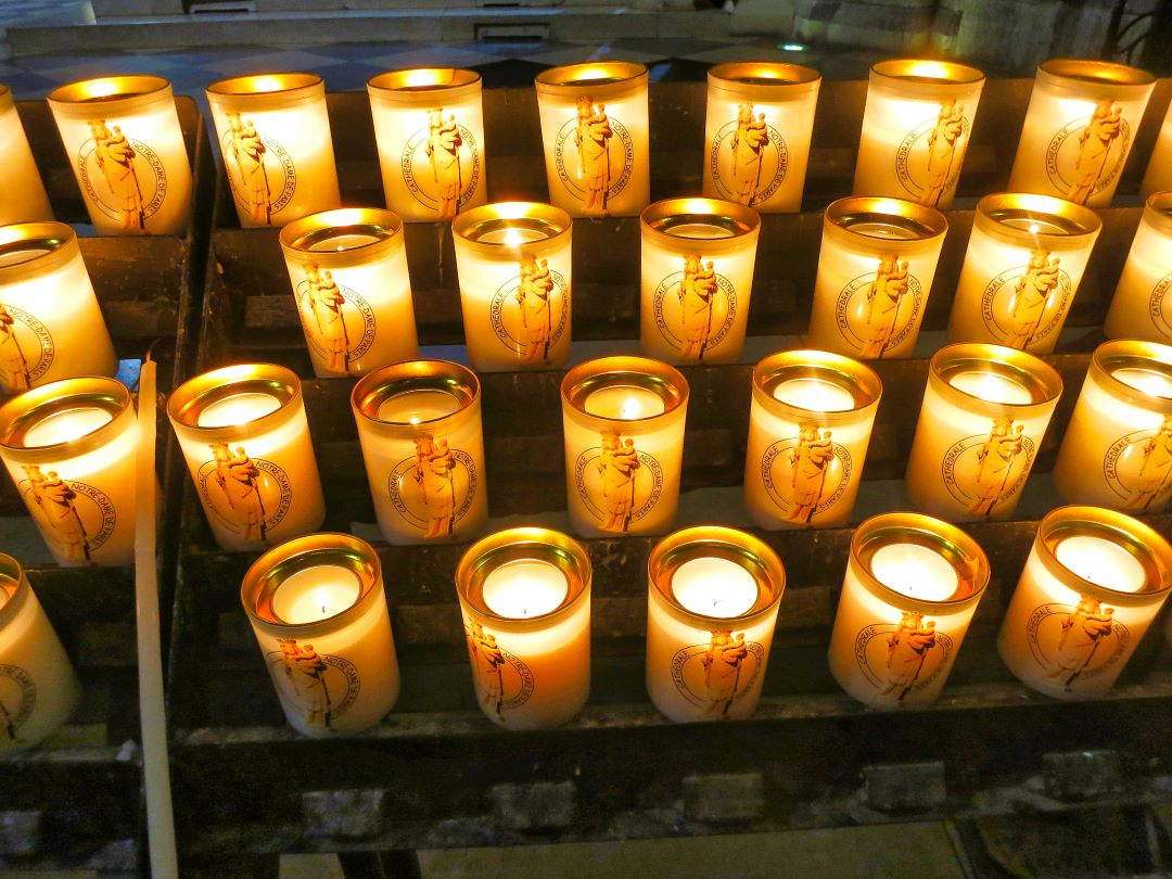 Paris; Ftance; Notre Dame Cathedral; candles; uasatish;