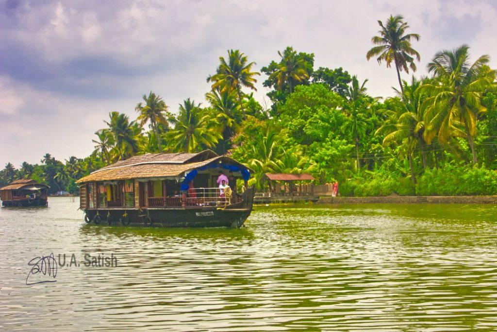 Cruising Houseboats; Alappzha; Kerala; Kuttanad; uasatish;