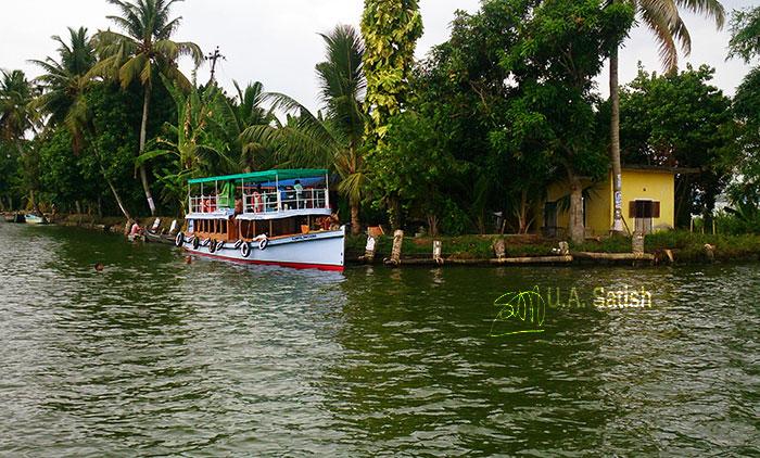 Alappuzha; Kerala; Kuttanad; Kayal; trvel; trees; outdoor; uasatish; boat;