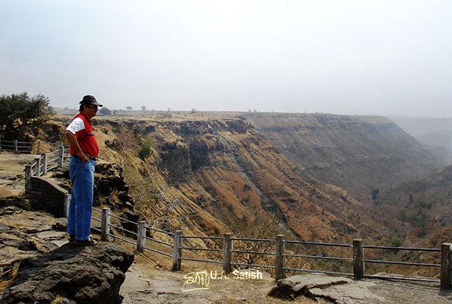 Malwa ravines; Mandu; Madhya Pradesh; India; outdoor; travel; uasatish;
