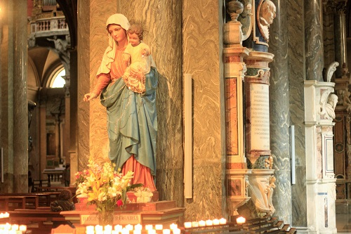 Basilica di Santa Maria Sopra Minerva; Rome; Italy; church; architecture; travel; uasatish; sculpture; Saint Mary;