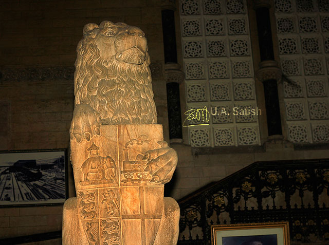stone lion; Mumbai CST; Mumbai; India; architecture; Bombay; uasatish;