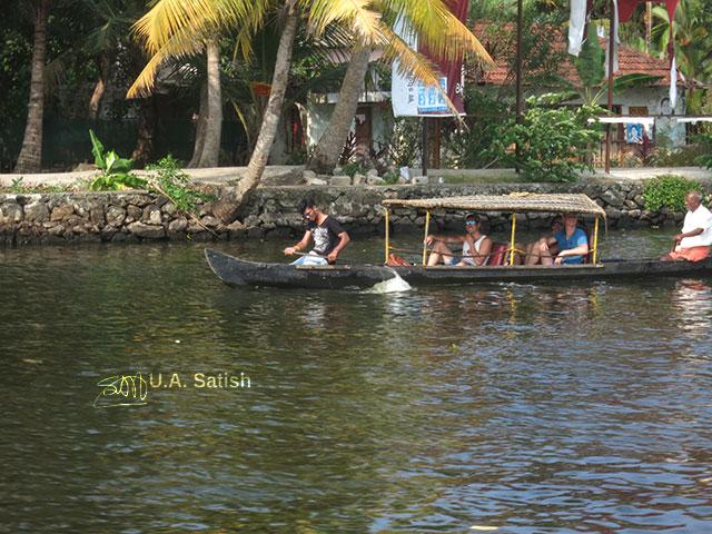 Houseboat; Alapuzha; Kerala; India; lake; water; sky; outdoor; uasatish; tourists; trees;