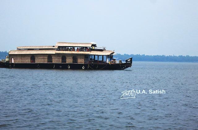 Houseboat; Alapuzha; Kerala; India; lake; water; sky; outdoor; uasatish;