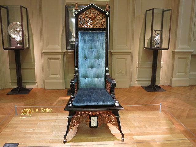 Musée d'Orsay; Paris; France; museum; indoor; uasatish; chair; Daniele Lovati;Musée d'Orsay;