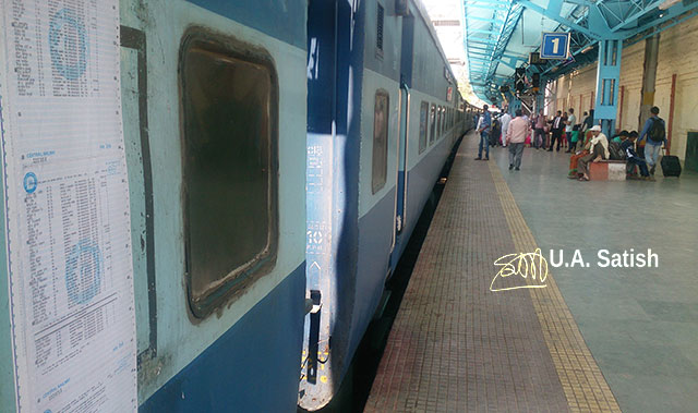 Maharashtra; India; Central Railway; train travel; uasatish; railway station; Lonavala;