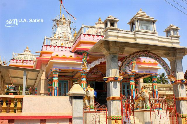 temple; India; architecture; uasatish; Gholvad; Maharashtra;