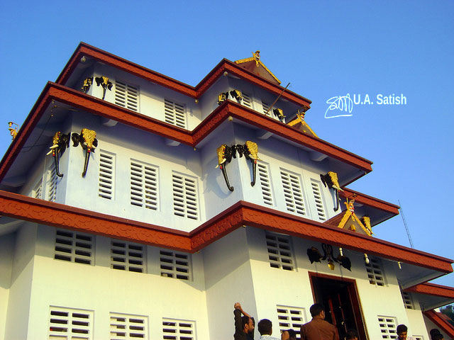 temple; India; architecture; uasatish; Muthappan Temple; Parassinikadavu;