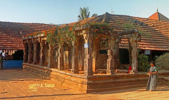temple; India; architecture; uasatish; Wayanad; Kerala; Thirunelly;