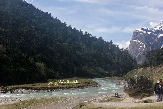 Sikkim; India; Yumthang Valley; mountans; stream; sky; clouds; snow; uasatish;