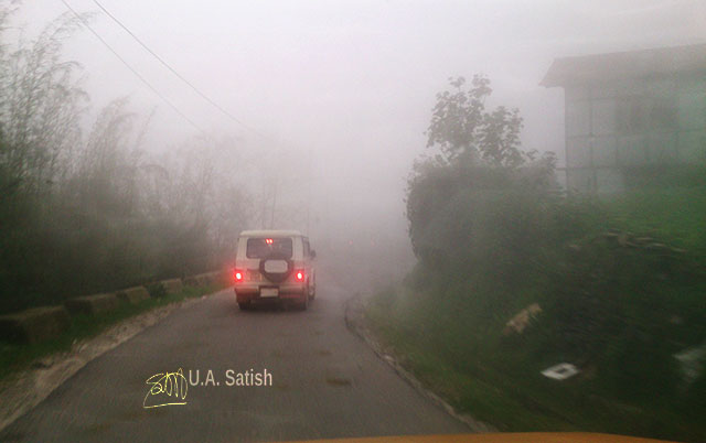 road; fog; Sikkim; India; uasatish; vehicle;