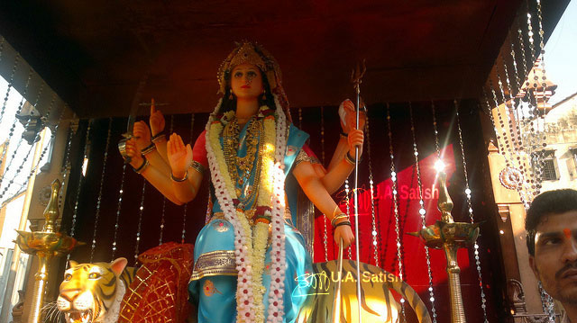 Durga Pooja; Dadar; India; uasatish;