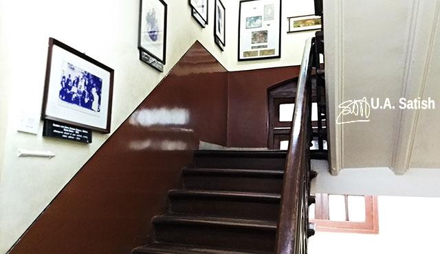 Mani Bhavan; Mumbai; India; Gamdevi; uasatish; wooden staircase;