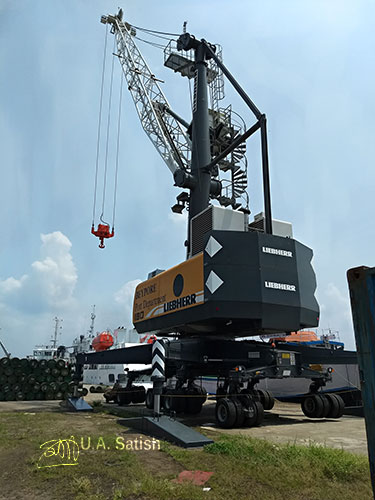 Beypore; Kerala; India; port; Beypore Port; uasatish; tower crane;