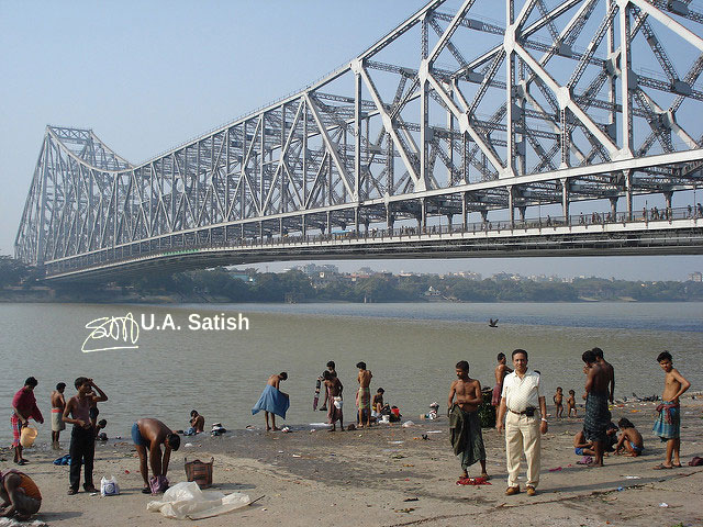 Howrah Bridge; Kolkata; India; Hooghly River; sky; uasatish;