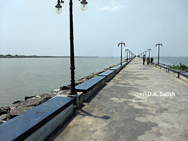 Beypore; Kerala; India; uasatish; pulimuttu; breakwater; sea; sky; rocks;
