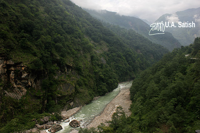 Sikkim; North Sikkim; India; uasatish; River Teesta; mountains; rocks; clouds; water; river;