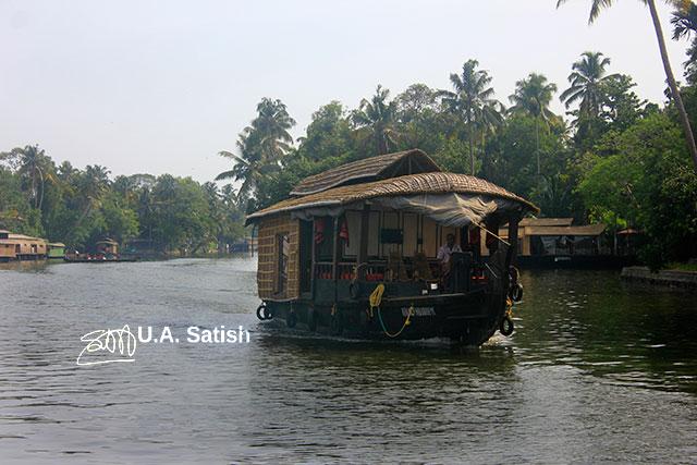 Kerala; Alappuzha; Punnamada Lake; jouseboat; India; trees; sky; uasatish;