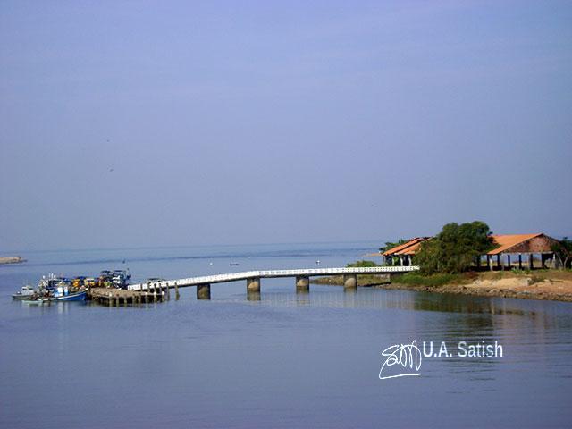 Kasargod; Kerala; fishing jetty; sky; water; uasatish;