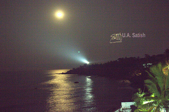 Kerala; Kannur; lighthouse; moon; sea; sky; uasatish;