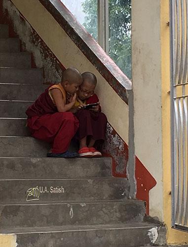 Samdruptse Hill; Namchi; Sikkim; India; statue; uasatish; young lamas;