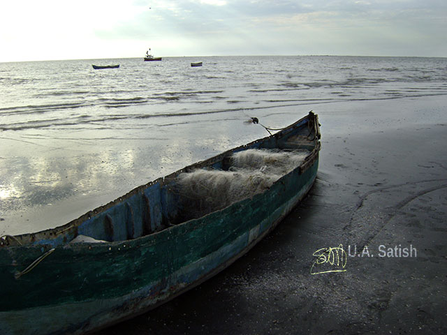 Rangaon Beach; Vasai; beach; Mumbai; boat; sae; sea; sky; uasatish;