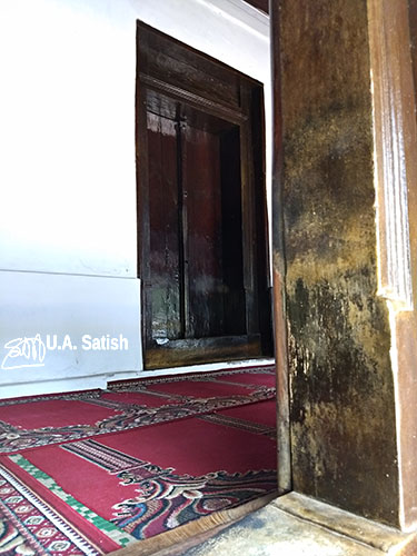 Odathil Palli; mosque; palli; Thalassery; Tellicherry; Kerala; uasatish; wooden door;