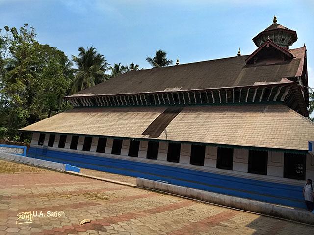 Odathil Palli; mosque; palli; Thalassery; Tellicherry; Kerala; uasatish;