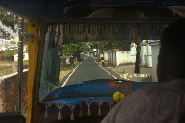 Kochi; streets; autorickshaw; Kerala; road; India; uasatish;