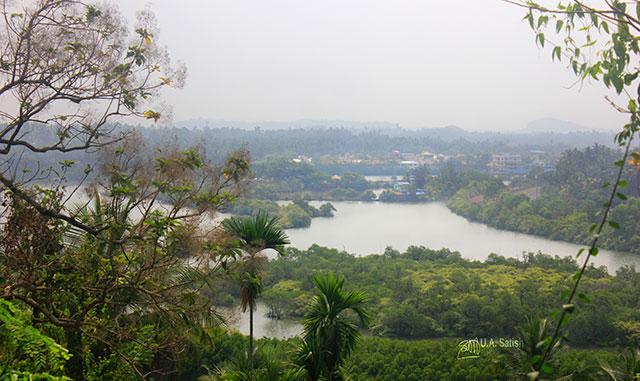 Kuyyali Puzha; river; Thalassery; Kerala; India; Gundert Bungalow; uasatish;