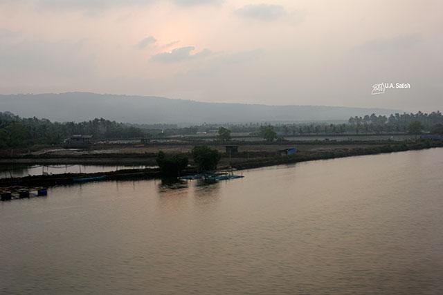train travel; Kerala; Kannur to Kanhangad; North Malabar; uasatish; India; backwaters;
